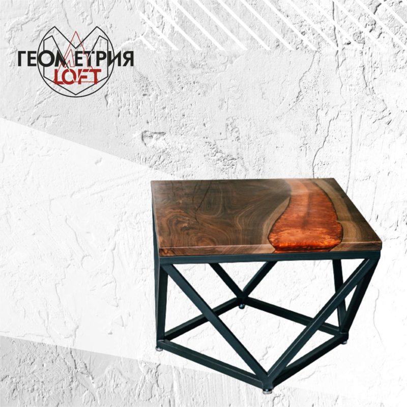 Журнальный столик из эпоксидной смолы и дерева