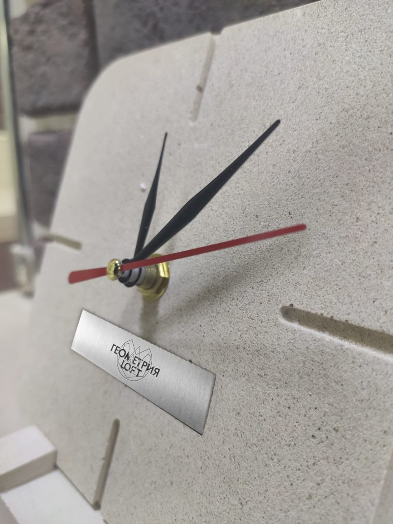 Настольные часы на подставке. Артикул nhl-1 2
