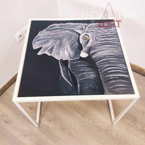 Журнальный стол со слоном