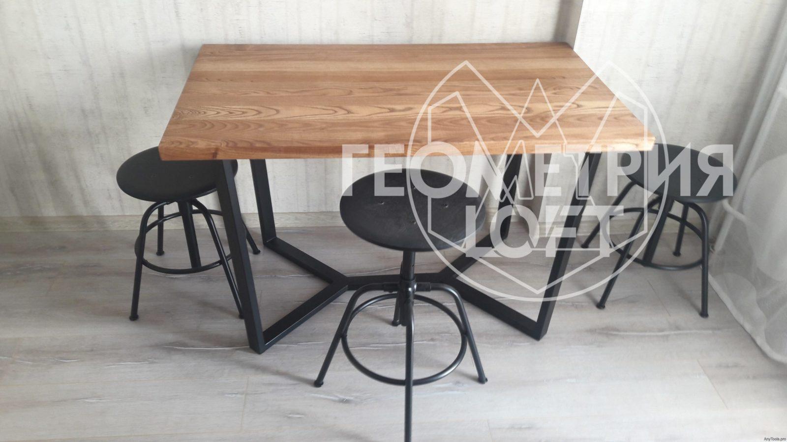Столы из металла и дерева